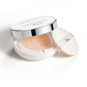 DIORSNOW BLOOM PERFECT BRIGHTENING PERFECT MOIST CUSHION SPF50 PA+++